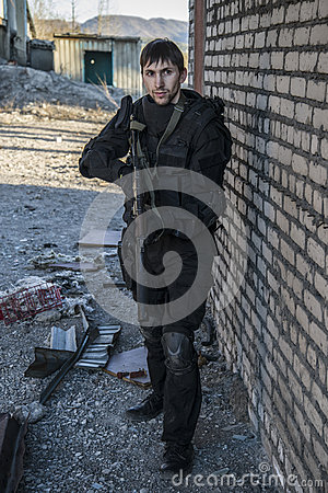 Free Russian Special Forces Training At A Military Training Ground. Stock Photography - 80290392
