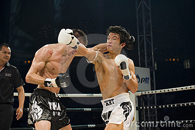 Russian vs korean thai boxer in bangkok Editorial Stock Image