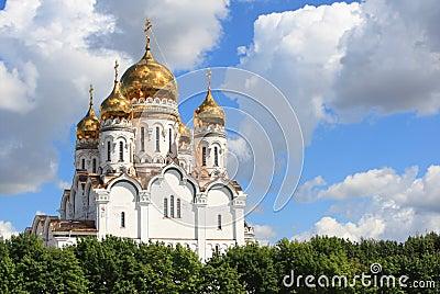 Russische orthodoxe kerk met gouden koepels
