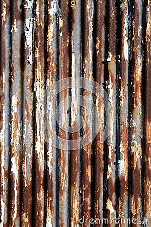 Rusted使金属成波状