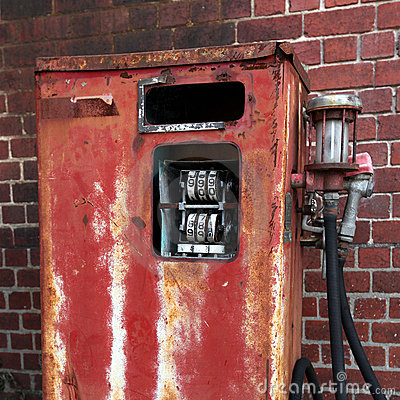 Free Rusted Old Gas Pump Royalty Free Stock Image - 14508626