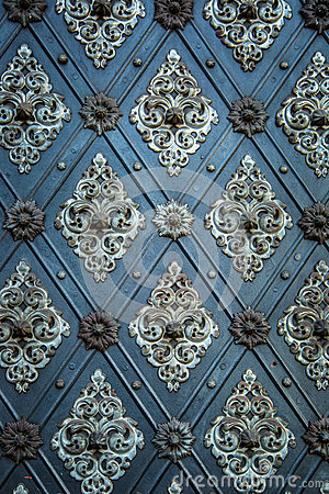 Free Rustic Ancient Doors Pattern Medieval Repetitive Ornaments Stock Photo - 61411540