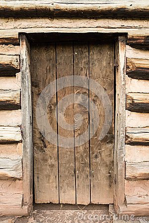 Free Rustic Cabin Door Royalty Free Stock Photography - 59908237