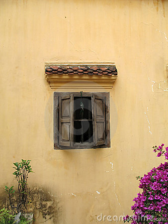 Free Rustic Wall With Window, Hanoi, Vietnam Royalty Free Stock Images - 745829