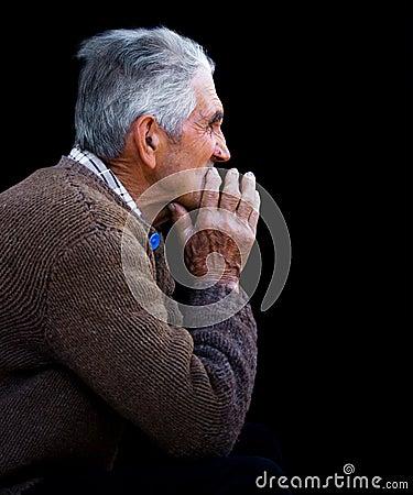 Rustig portret van een oude mens