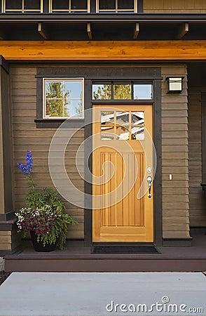 Landhaus Haust R rustikale haustür eines hochwertigen hauses stockfotografie bild 27023872