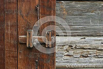 rustikaler t r riegel lizenzfreies stockfoto bild 487395. Black Bedroom Furniture Sets. Home Design Ideas