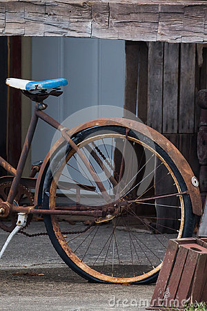 Free Rusty Barns And Bikes Royalty Free Stock Photography - 83668457