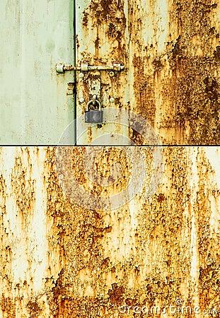 Free Rusty Door And Lock Royalty Free Stock Image - 38867906