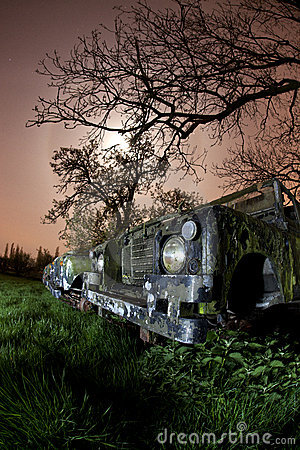 Rusty land rover