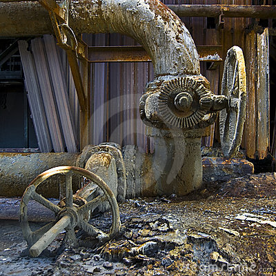 Free Rusty Pipes Royalty Free Stock Image - 11900266