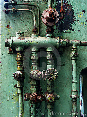 Free Rusty Pipes And Valves Royalty Free Stock Photos - 1549208