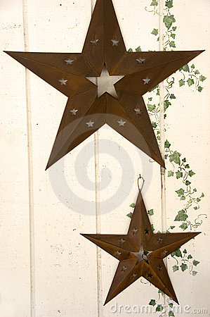 Rusty stars and ivy motif