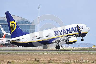 Ryanair air lines elevation maniobre leaving the airport Editorial Photography
