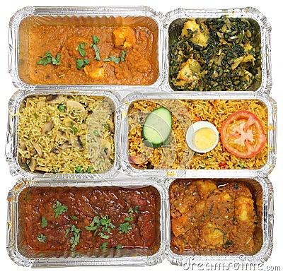 Sélection de nourriture à emporter indienne de cari