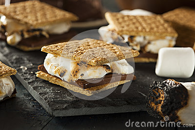 Stock Photo: S mores with Marshmallows Chocolate and Graham Crackers