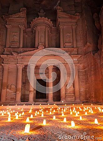 s nachts Petra