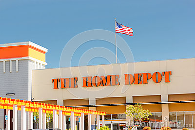 SACRAMENTO, USA - SEPTEMBER 5: The Home Depot store entrance on Editorial Photography
