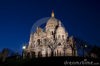 Sacre coeur in the night