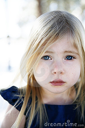 Free Sad Little Girl Royalty Free Stock Photos - 11840998
