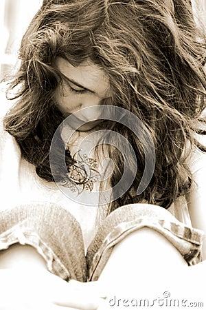 sad teen girl depressed