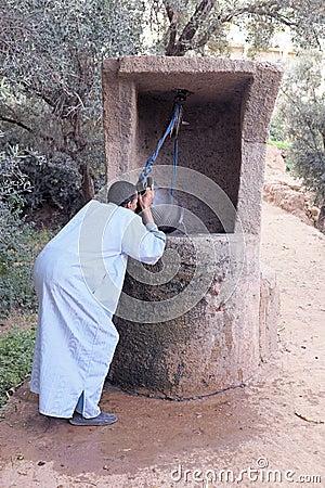 SAHARA DESERT, MOROCCO 20 OCTOBER 2013: Man in traditional cloth Editorial Stock Image