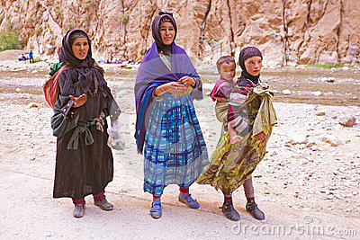 SAHARA DESERT, MOROCCO 20 OCTOBER 2013: Nomad women in the Sahar Editorial Stock Photo
