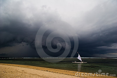 Sail in the bad weather