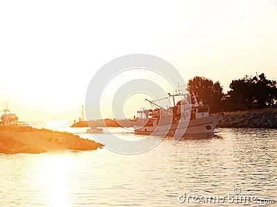 Sail in the sea