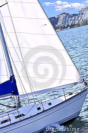 Free Sailboat In Toronto Harbor Stock Photos - 6922463