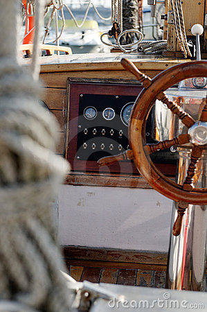Sailboat wheel cockpit