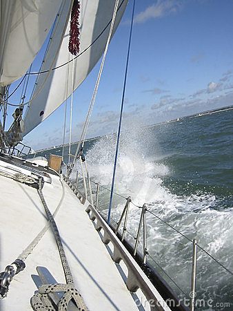 Free Sailing 2 Royalty Free Stock Image - 8676