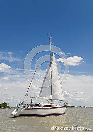 Free Sailing Away Royalty Free Stock Photography - 2735857