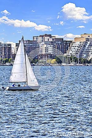 Free Sailing In Toronto Harbor Stock Photography - 6922502