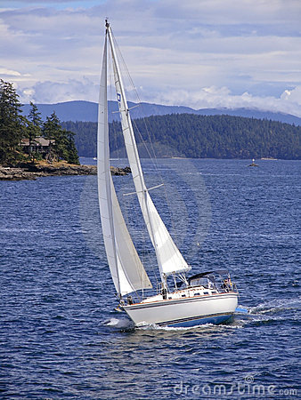 Free Sailing The Puget Sound Royalty Free Stock Images - 5580449