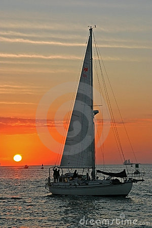 Free Sailing To The Sunset Royalty Free Stock Photography - 430307