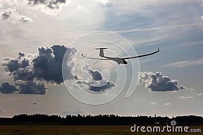 Sailplane on final glide