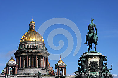 Saint Isaac s Cathedral and Nicolas I Statue