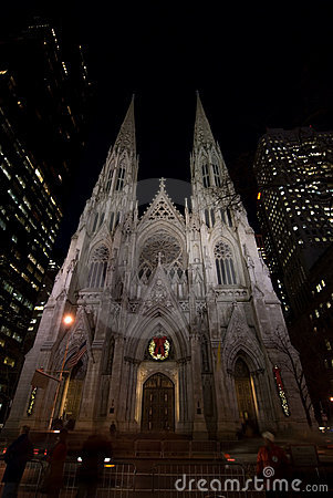 Free Saint Patrick S Cathedral At Night Royalty Free Stock Photo - 1759175