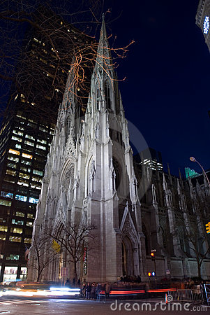 Saint Patrick s Cathedral at night