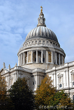 Free Saint Paul S Cathedral In London Royalty Free Stock Images - 27877019