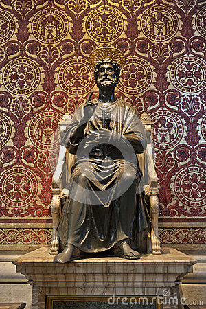 Free Saint Peter Statue In The Basilica Of Vatican Royalty Free Stock Images - 27711809