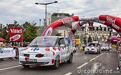 Rangée des véhicules de Carrefour Photographie éditorial