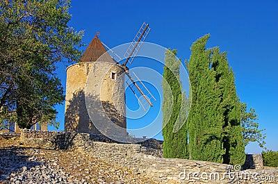 Saint-Saturnin-les-Apt windmill