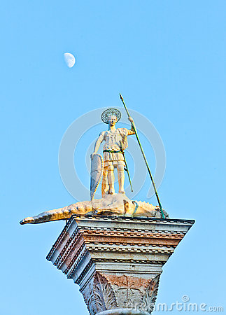 Free Saint Theodore At The San Marco, Venice, With The Moon In The Background Royalty Free Stock Photo - 32444825