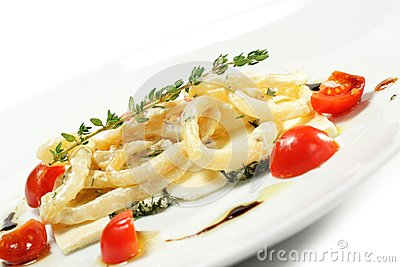Salad with Calamari Rings and Tomato