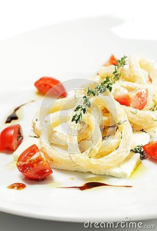 Salad with Calamari Rings and Tomato