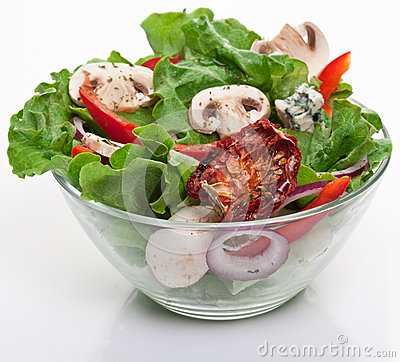 Salad with dried tomatoes