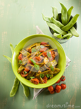 Salad with flat green beans