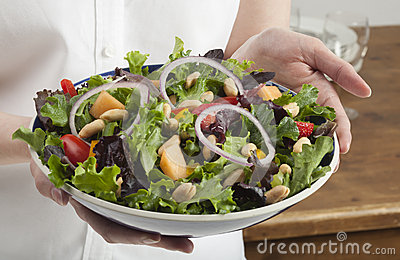 Salad with fruit and peanuts